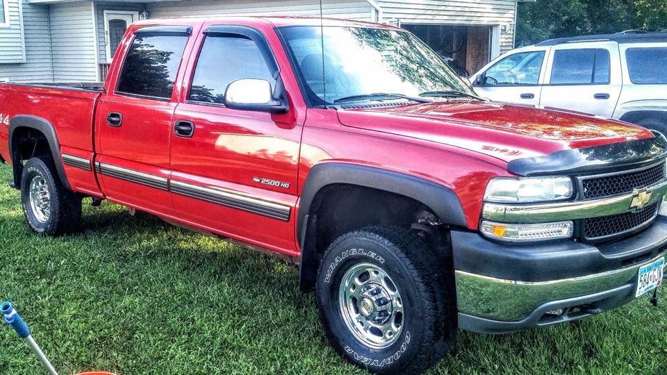 Chevrolet Silverado Old Red - Drivn