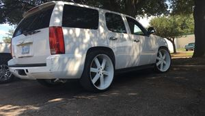 Chevrolet Tahoe Snow White