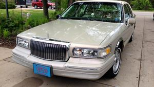 Lincoln Town Car Darlene