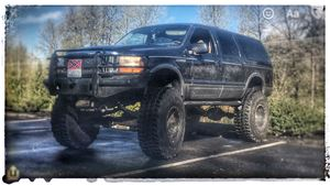 Ford Excursion Chaos