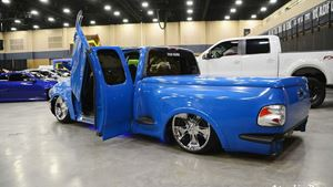 Ford F-Series poppa smurf