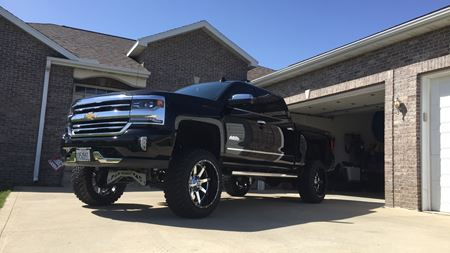 Chevrolet Silverado Black Beauty