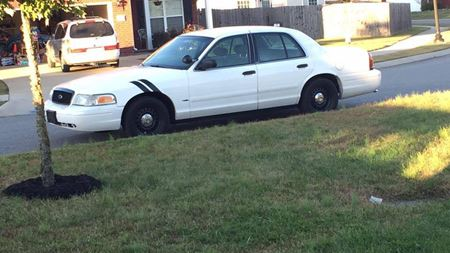 Ford Crown Victoria Vikki