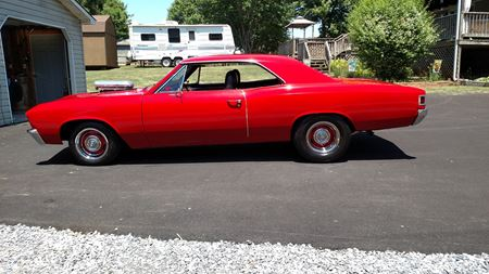 Chevrolet Malibu Red Rooster