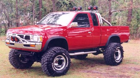 Nissan PickUp Big Red