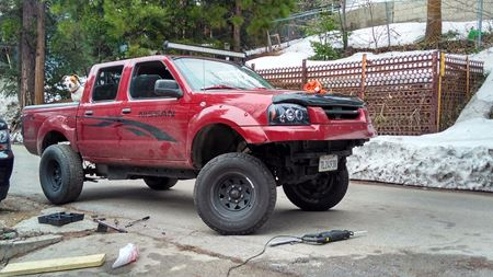 Nissan Frontier Red -Devil