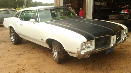 Oldsmobile Cutlass Supreme Rocket