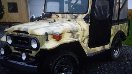 Toyota Land Cruiser little tank
