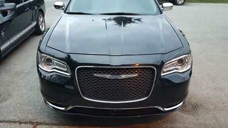 Chrysler 300 Black Luv