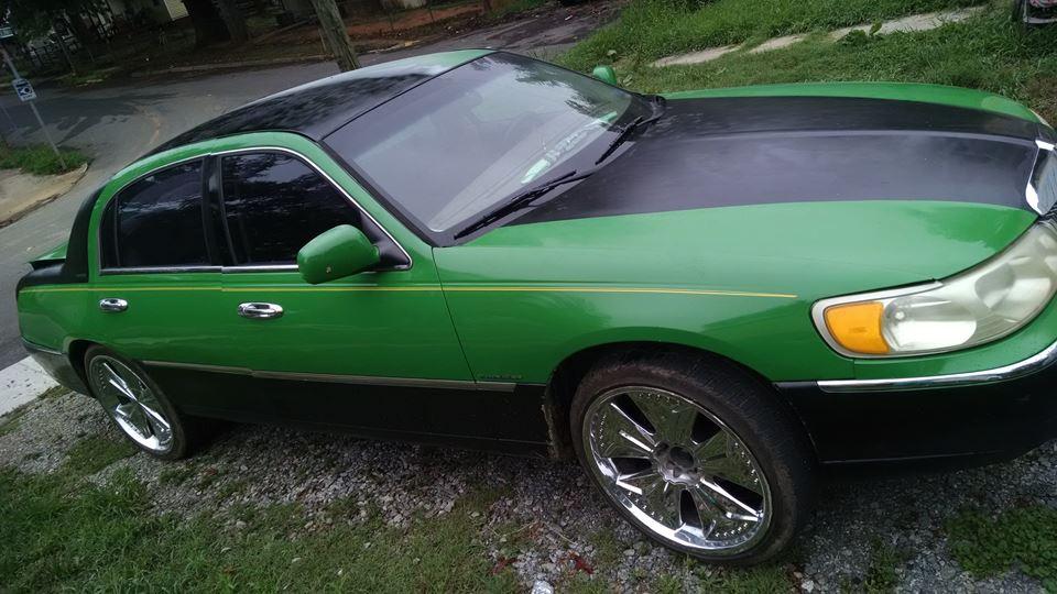 Lincoln Town Car Green Mantis Drivn