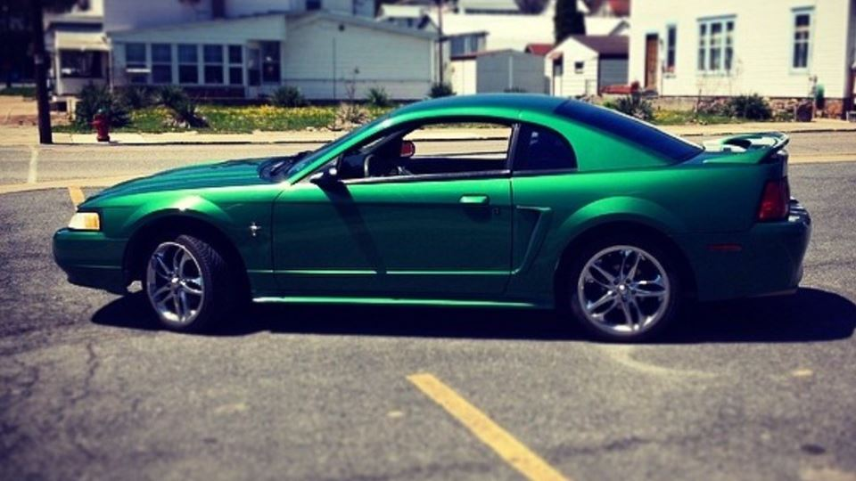 Ford Mustang Green Iva