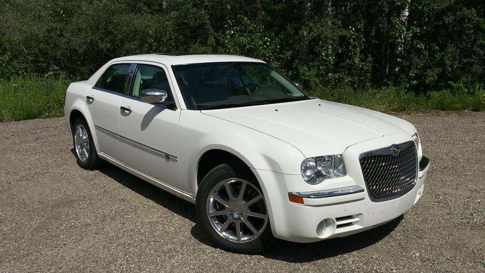 White Chrysler 300 >> Chrysler 300 White Lightning Drivn