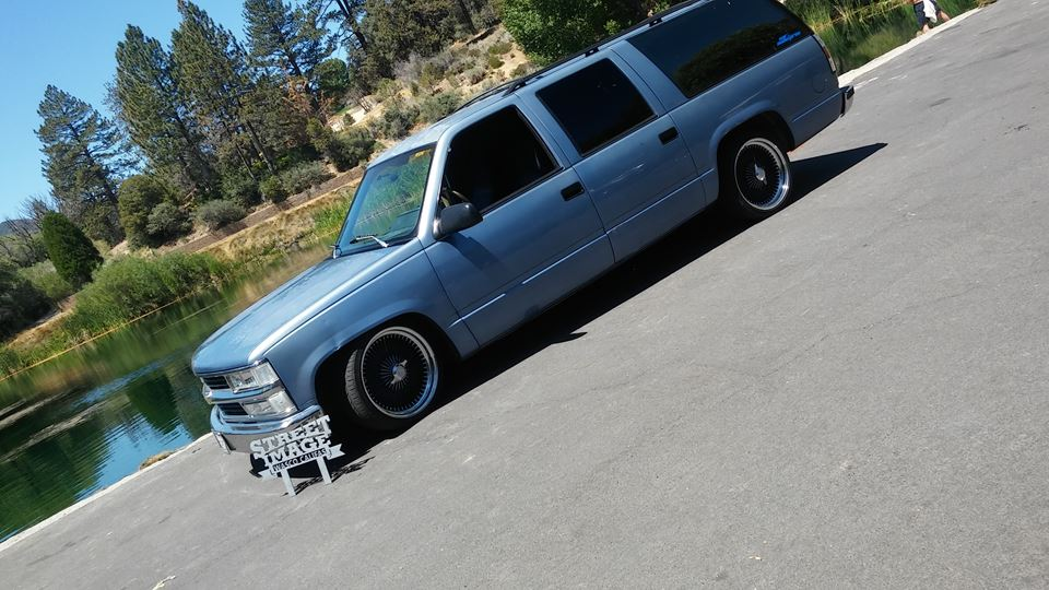 GMC Suburban SHOWBURBAN