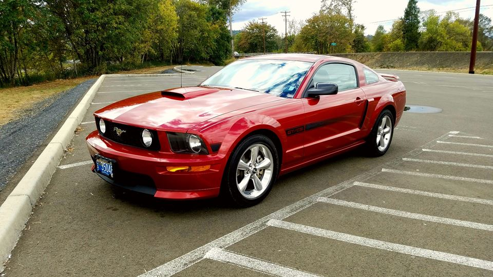 Ford Mustang Big red