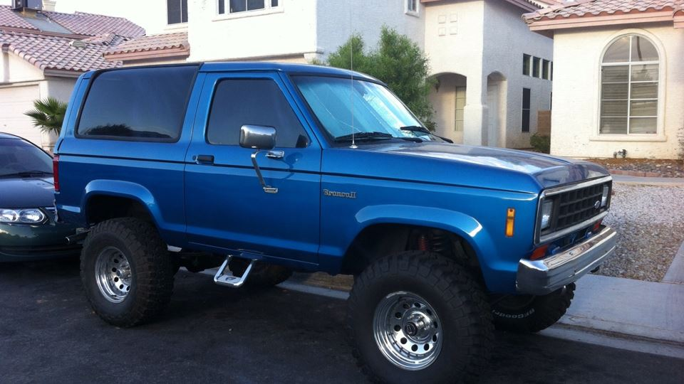 Ford bronco ii crusher drivn for Garage ford romans