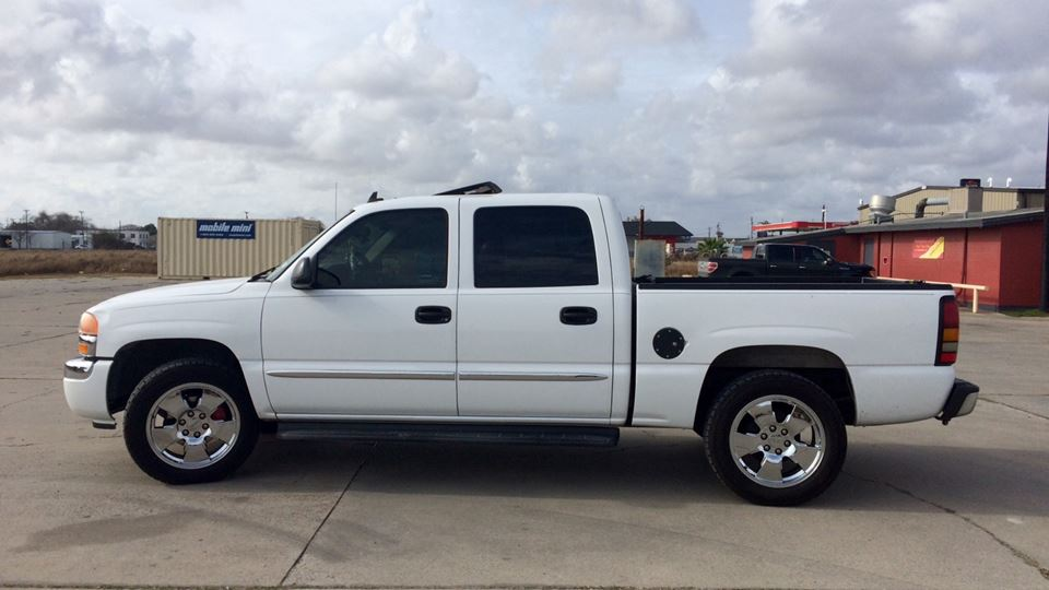 GMC Sierra The White Knight