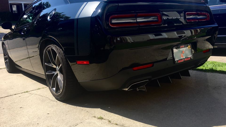 Dodge Challenger Side Chick