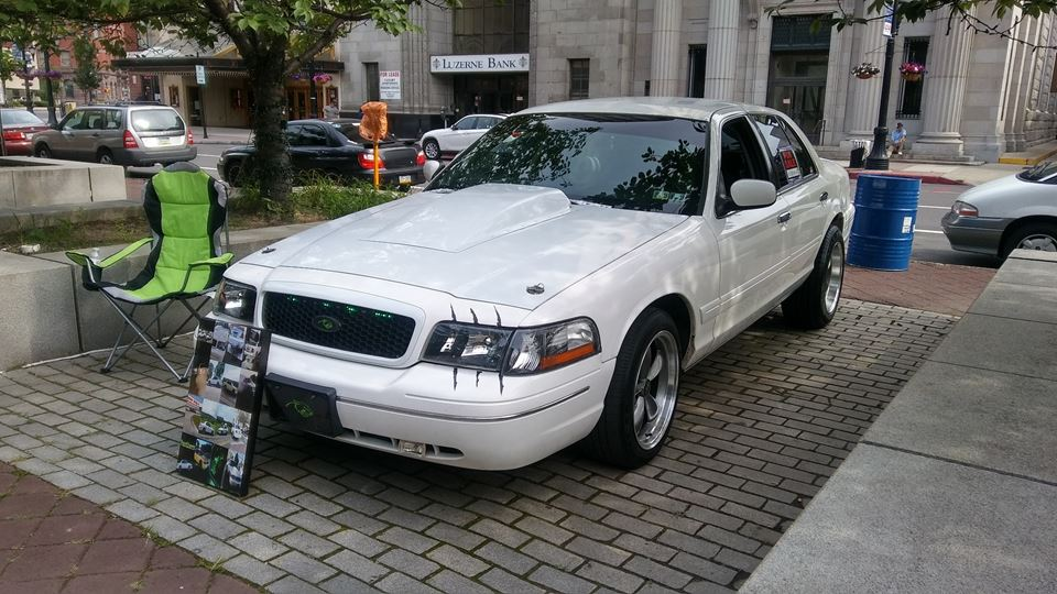 Ford Crown Victoria Muscle vic