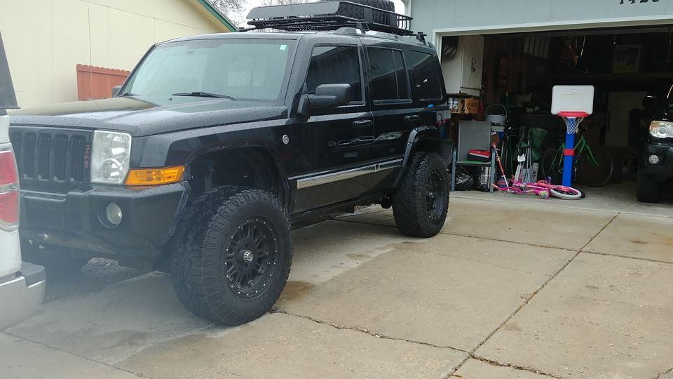 Jeep Commander Big Black