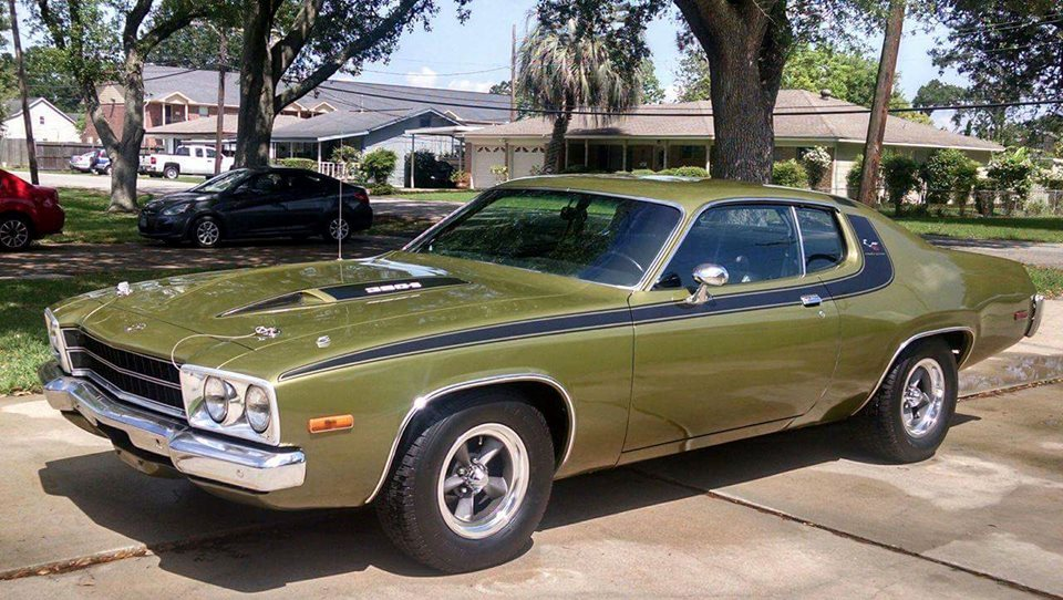 Award winning \'74 Plymouth ROADRUNNER - Drivn